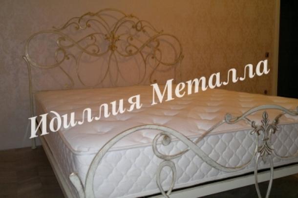Кровать 015