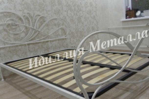 Кровать 040