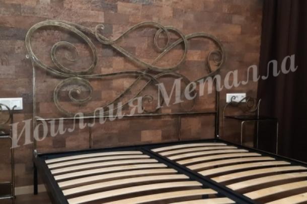 Кровать 052