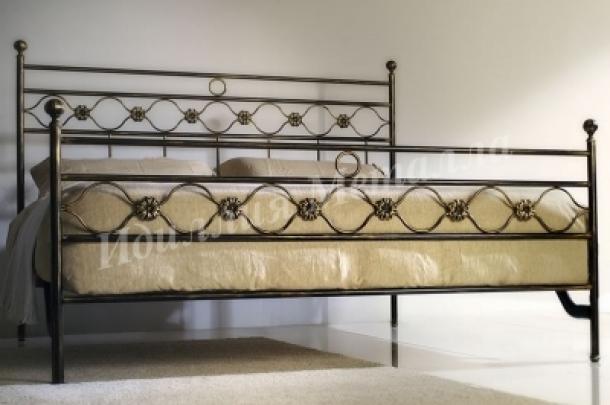 Кровать 076