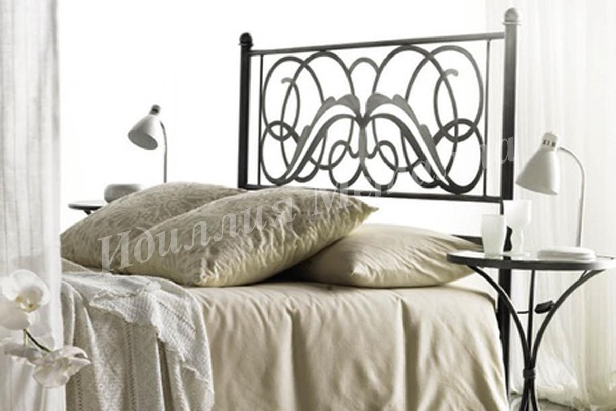 Дизайнерская двуспальная кровать ручной работы 087