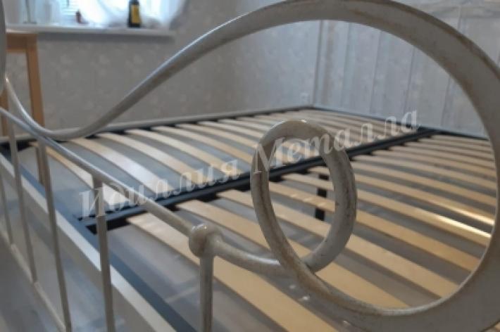 Кровать 004