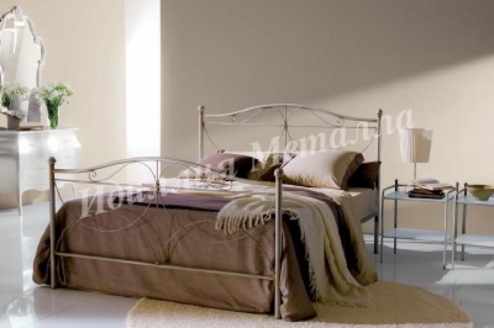 Кованая белая двуспальная кровать 160x200 018