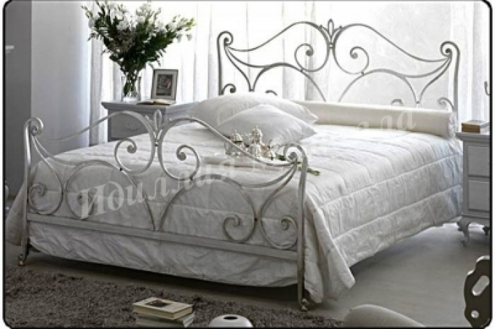 Кровать 047